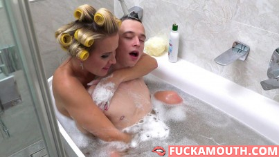 bathing with mom that boy will never forget