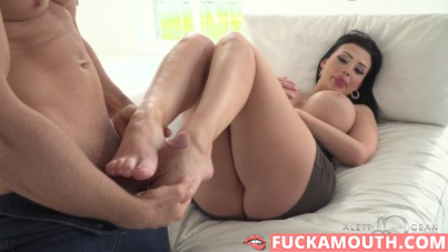 foot fetish with all natural Aletta Ocean