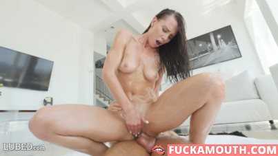 Aidra Fox got a very juicy sex