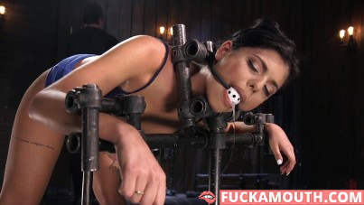 Gina Valentina gets new feelings in the bondage room